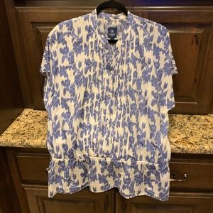 Izod blue floral SS pull string blouse-small
